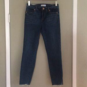 LOFT modern skinny frayed jeans w/ slit 27/4